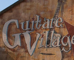 GUITAREVILLAGE_DOMONT